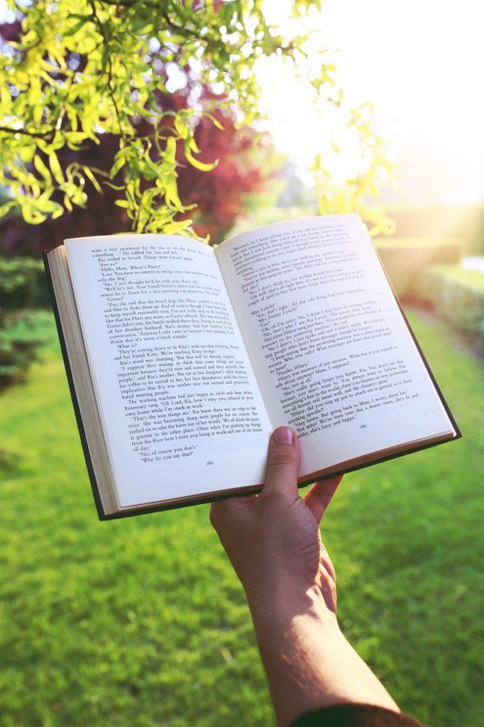jakie są korzyści z czytania książek 2