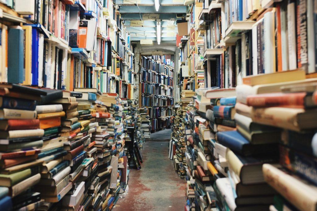 jakie są korzyści z czytania książek